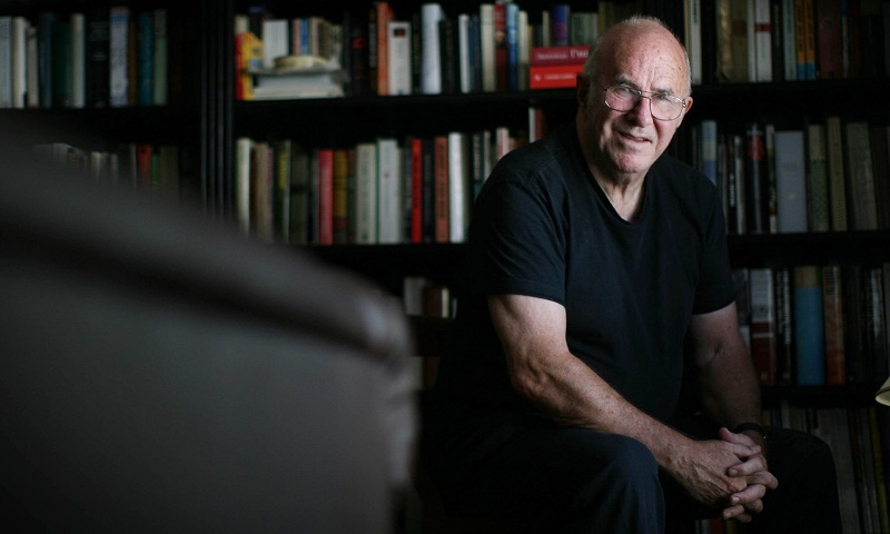 Clive James, author of 'Unreliable Memoirs', has passed away aged 80