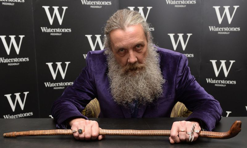 Alan Moore breaks retirement, announces five-volume fantasy series and short story collection